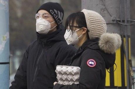 Autoridades vão começar a atenuar quarentena em Hubei
