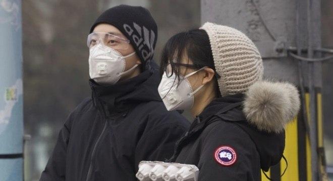Casos confirmados não precisam mais passar por exame laboratorial em Hubei
