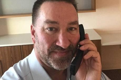 Chip McClure torce por resgate de garoto na Espanha