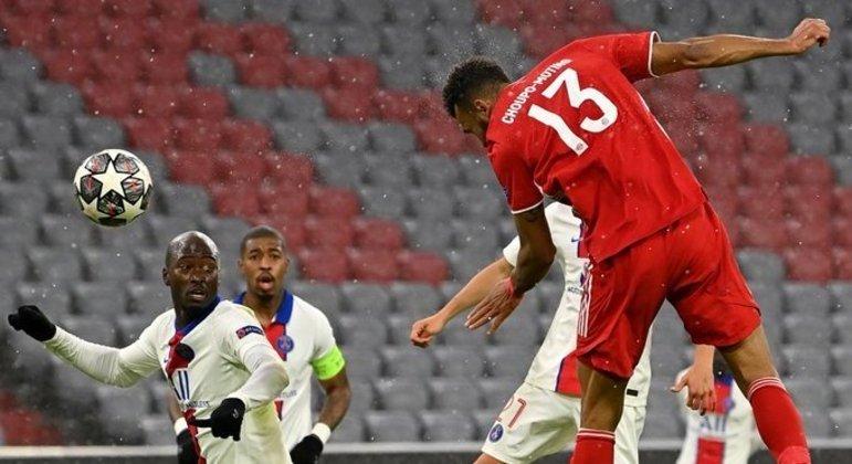 O gol de Choupo-Moting, falha da bequeira do PSG