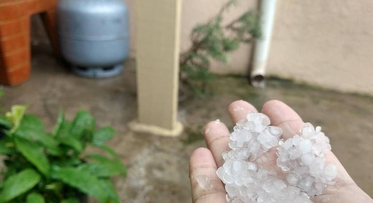 Choveu granizo em Sapopemba, na zona leste de SP