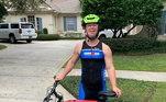 Em sua preparação para a competição, o triatleta mostrou sua rotina em suas sociais. Em postagens foi possível ver os treinos bem cedo, as várias horas pedalando e muita malhação