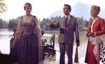Christopher Plummer, que morreu aos 91 anos nesta sexta-feira (5), marcou a história do cinema com atuações de sucesso. Não por acaso, foi vencedor do Oscar em 2012 e indicado à premiação mais uma de vez. Um dos trabalhos mais marcantes do ator foi no clássico A Noviça Rebelde, de 1965. Acima, temos Plummer contracenando com Julie Andrews e Eleanor Parker