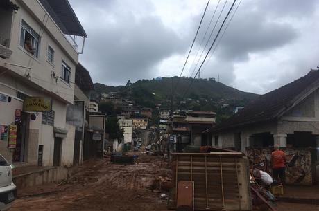Chuva deixou lastro de destruição em Juiz de Fora