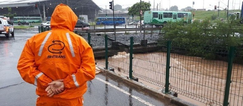 BHTrans monitora situação do trânsito na capital