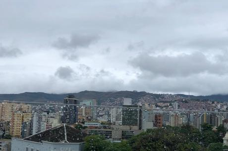 O alerta de chuva é válido até esta sexta-feira (30)