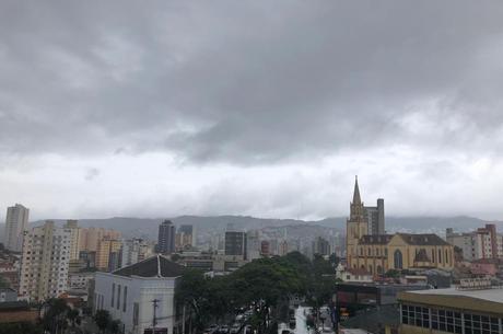 Capital mineira deve ter dias chuvosos