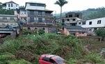 Segundo a Defesa Civil municipal, o nível de um rio que corta a região ficou três metros acima da margem