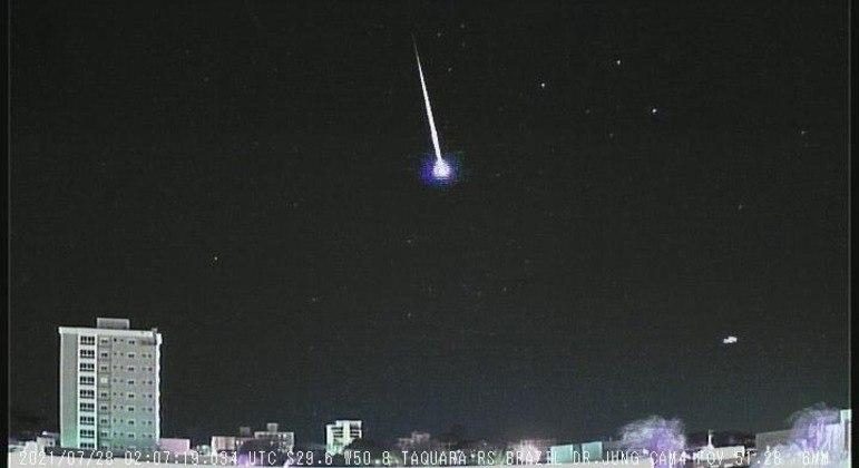 Meteoro que iluminou o céu de Taquara, no Rio Grande do Sul, nesta madrugada