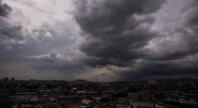 Expectativa para os próximos dias é de pancadas de chuva no final da tarde