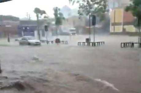 Córrego São José transbordou e inundou ruas de São Caetano