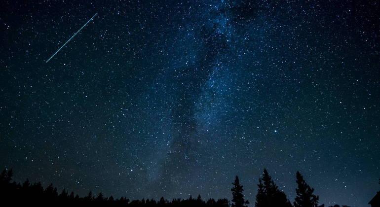 Chuva de meteoros pode ser vista a olho nu durante a noite