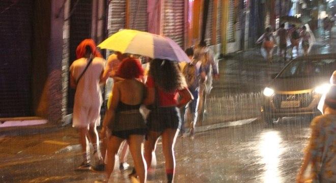 Umidade, nuvens e chuva contribuíram para sensação térmica mais amena
