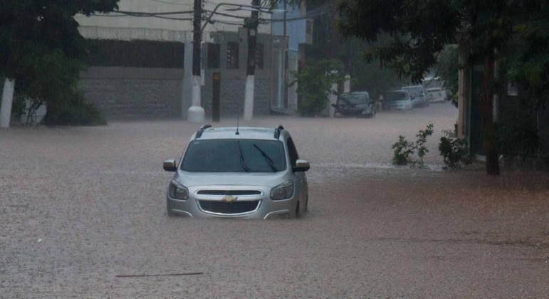 Morte por afogamento ocorreu em dia de chuva na região metropolitana