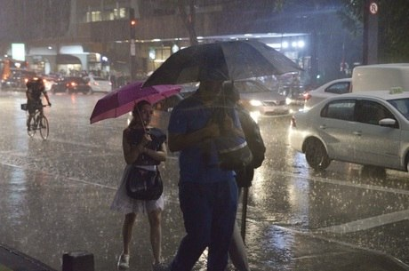 Chuva desta terça (5) atinge pontos da Avenida Paulista