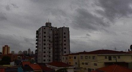 SP continua com clima chuvoso neste domingo (28)