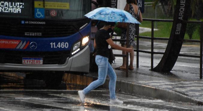 Enchentes podem ocorrer em áreas mais vulneráveis