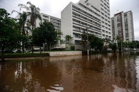 Alagamento na Avenida Gastão Vidigal, Vila Leopoldina