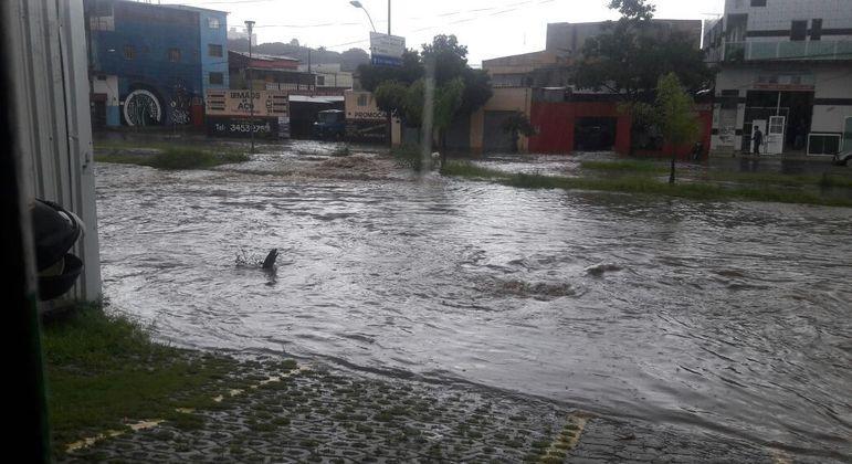Chuvas em Belo Horizonte têm causado diversos alagamentos na cidade