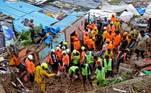 Mumbai, com 20 milhões de habitantes, sofre desde sábado fortes chuvas