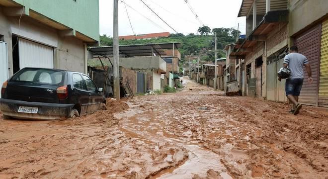 Exército brasileiro deve auxiliar as vítimas das chuvas na cidade de Contagem