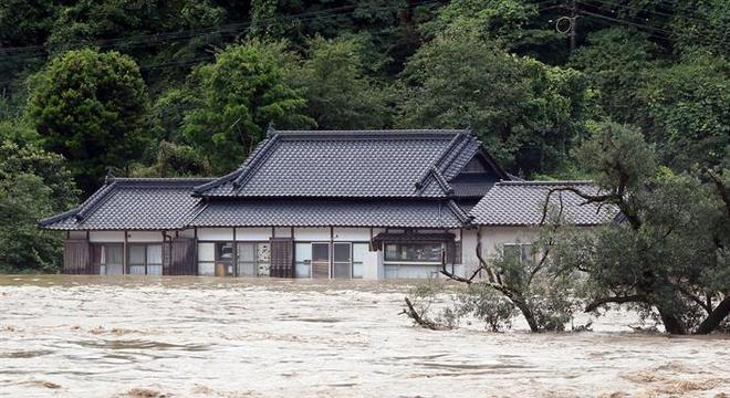 A Agência Meteorológica do Japão divulgou nível máximo de alerta de emergência