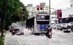 Áreas de instabilidade vindas de Sorocaba, no interior do estado, atuaram em São paulo com forte intensidade e se deslocam lentamente.A mesma situação foi observada nos municípios de Guarulhos, Osasco, Barueri, Cajamar, Embu e no ABC paulista