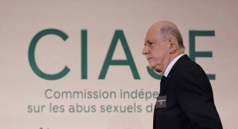 Jean-Marc Sauve, presidente da Ciase, participa da publicação do relatório sobre pedófilos da Igreja Católica francesa