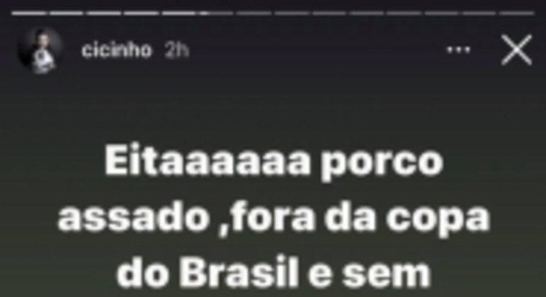 Cicinho provoca o Palmeiras