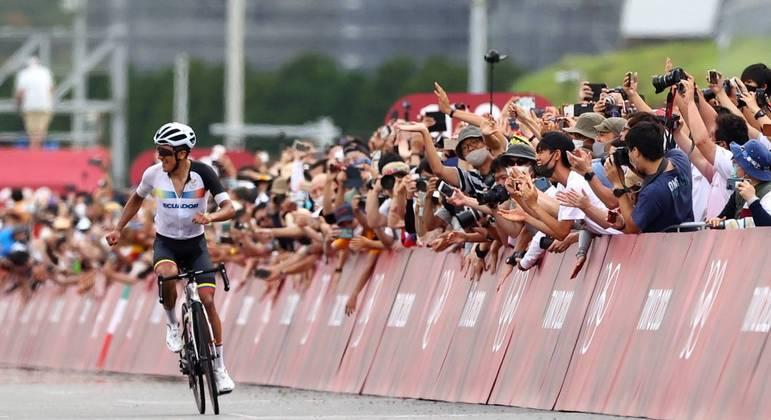 Ciclismo de estrada se torna rara oportunidade para torcedores em Olimpíada sem público