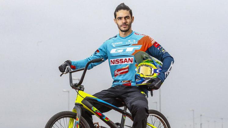 Ciclismo: Renato Rezende e Priscila Stevaux disputam as quartas de final do  BMX Racing, a partir das 22h.