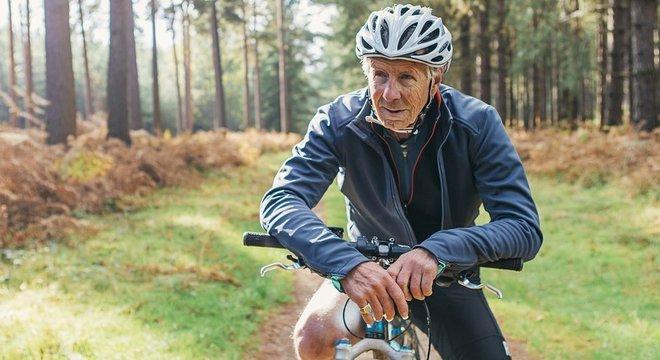 Um dos estudos de Birmingham mostrou que ciclistas mais velhos que continuavam ativos tinham sistema imunológico de uma pessoa mais jovem