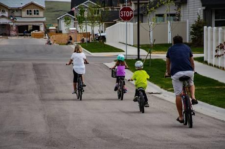 Crianças aprenderão a andar de bicicleta na escola