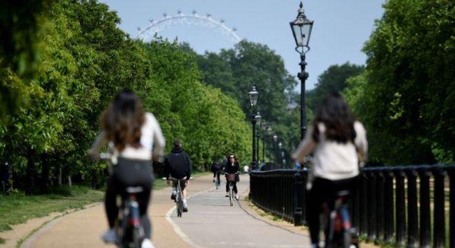 Londres quer evitar uso de transporte público para ajudar no distanciamento social
