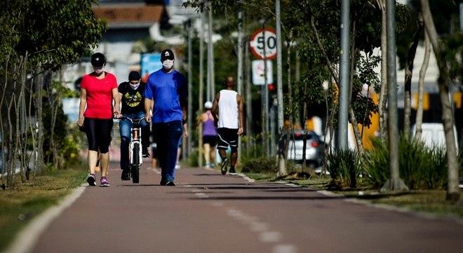 Ruas de São Paulo ficaram cheias mesmo com decreto de isolamento social
