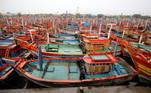 Os96 desaparecidos viajavam em uma embarcação que naufragou com 273 pessoas abordo na costa de Mumbai, capital do estado de Maharastra, anunciou a Marinhaindiana.Osmilitares informaram que 177 passageiros foram resgatados em condiçõesextremamente difíceis