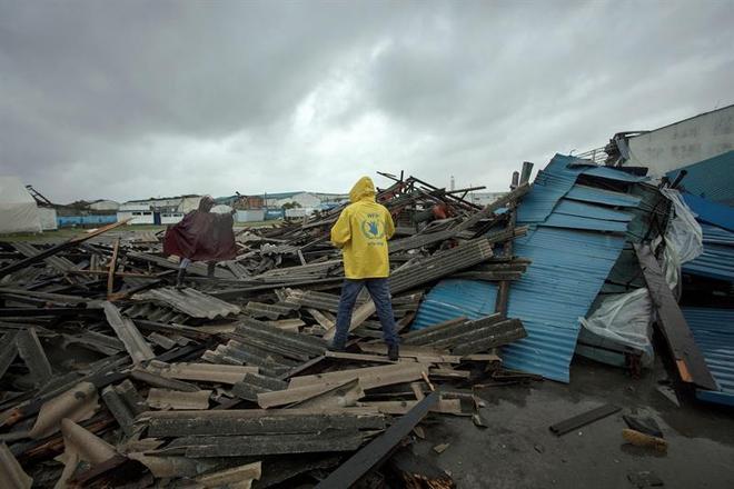 O presidente de Moçambique, Filipe Nyusi, sobrevoou a região afetada na segunda-feira. Disse que viu muitos corpos boiando em rios e estimou que o número de vítimas fatais deve passar de mil no país