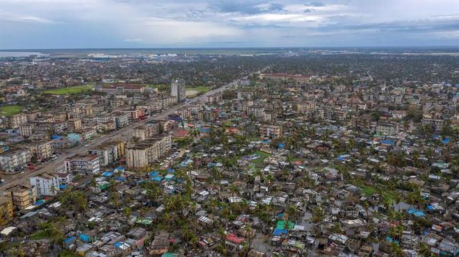 Na foto, é possível ver o bairro de Nhamudima, em Beira, a quarta maior cidade de Moçambique, que teve 90% dos seus prédios destruídos pelo ciclone