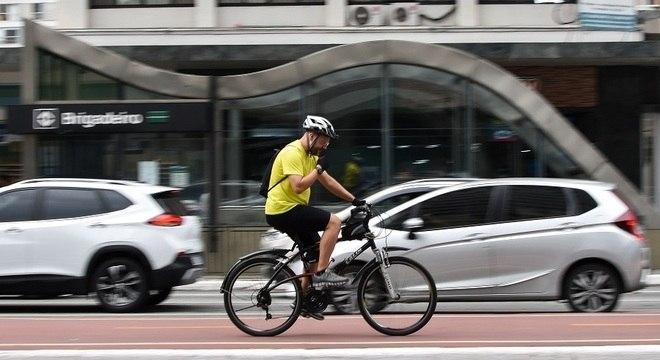 Cerca de um terço de SP usaria bicicleta se houvesse mais segurança para ciclistas