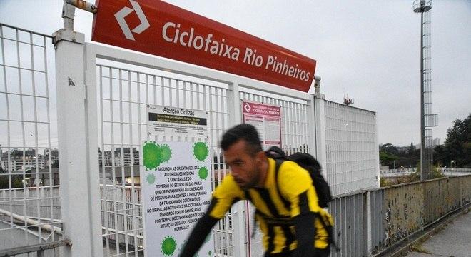 Após três meses fechada, ciclofaixa da Marginal Pinheiros reabre aos ciclistas