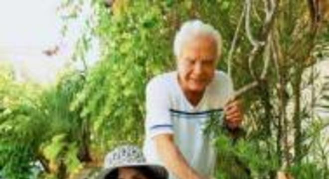 Cid Moreira e esposa