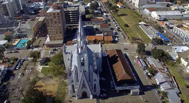 Cidade: Bento Gonçalves - Estado: Rio Grande do Sul - Destaques: capital brasileira da uva e do vinho