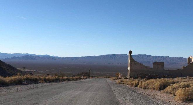Cidade fantasma de Rhyolite, em Nevada, que guarda uma das placas de Kcymaerxthaere