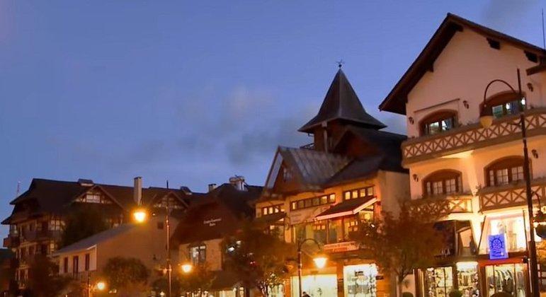Cidade: Gramado - Estado: Rio Grande do Sul - Destaques: clima estilo europeu e arquitetura diferenciada