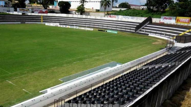 Cidade: Ponta Grossa (PR) - Clube: Operário - A Prefeitura liberou a volta do público nos jogos no Germano Krüger, estádio do Operário.