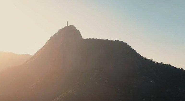 Cidade: Rio de Janeiro - Estado: Rio de janeiro - Destaques: pontos turísticos com renome mundial, praias e paisagens