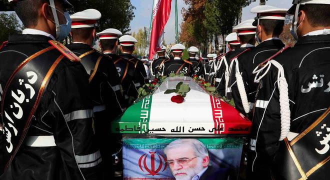 Irã acusa opositores exilados de assassinarem cientista nuclear