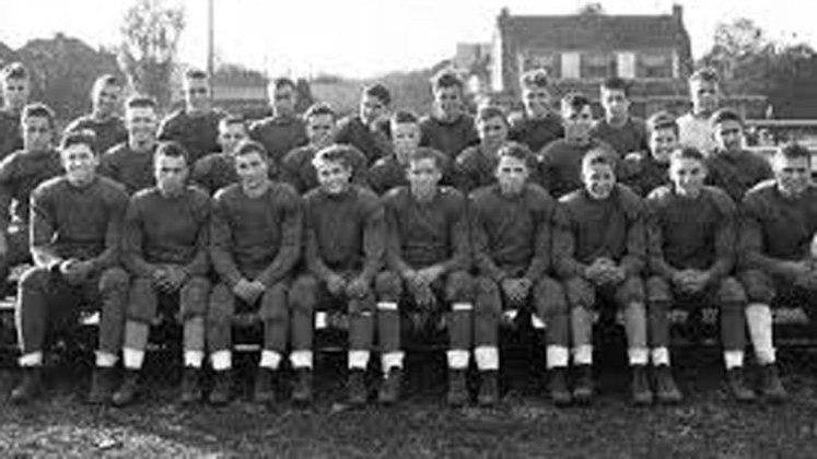 Cincinnati Reds (1934). Abandonou a NFL após perder os oito primeiros jogos que fez na temporada 2020.