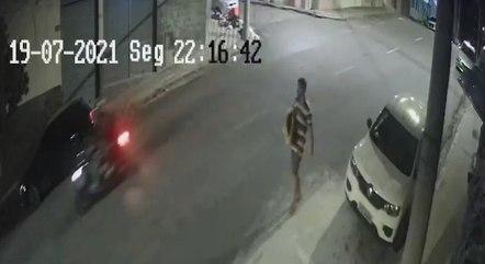 Câmeras de segurança registraram ação de suspeito