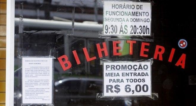Região central de São Paulo concentra diversas salas de cinema pornô